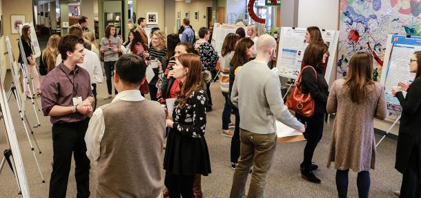 Students and faculty at the undergraduate research fair