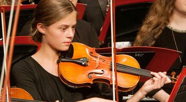 Student plays the violin